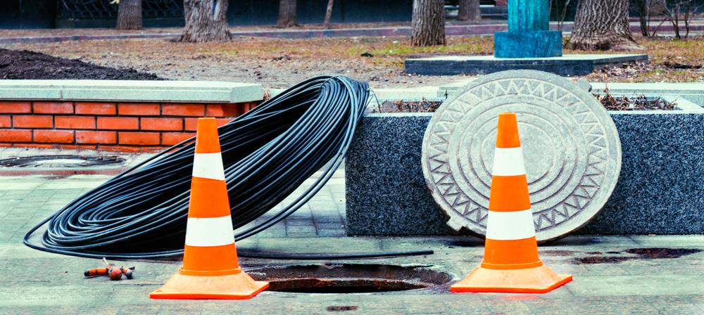 Manhole-Cones_79889062
