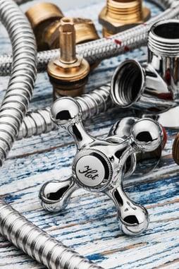 New plumbing innovations make DIY plumbing simple.