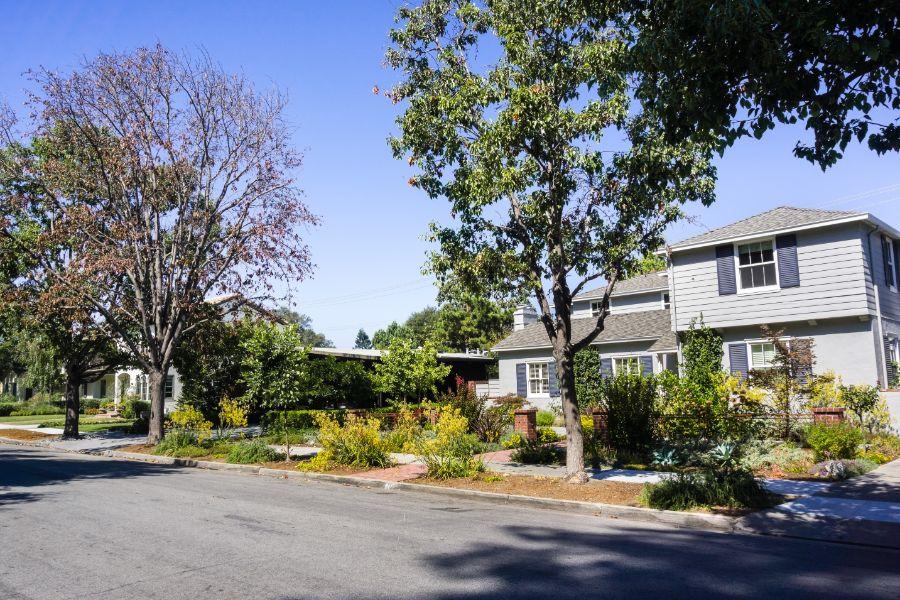 suburban-california_236188700